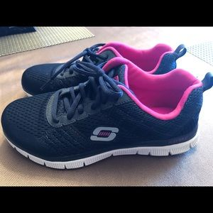 Skechers tennis shoes